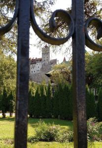 MM- Dracula's Castle